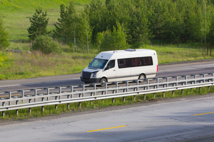 W jakim celu wyjeżdżamy do Niemiec i jaki środek transportu wybieramy?
