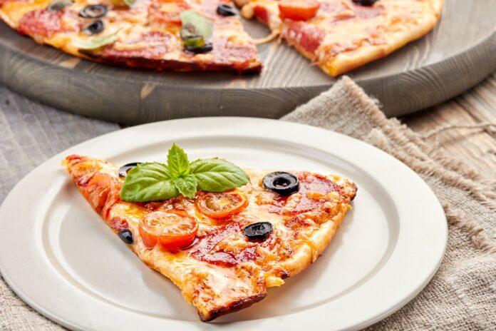 Dlaczego warto zakupić talerze do pizzy?